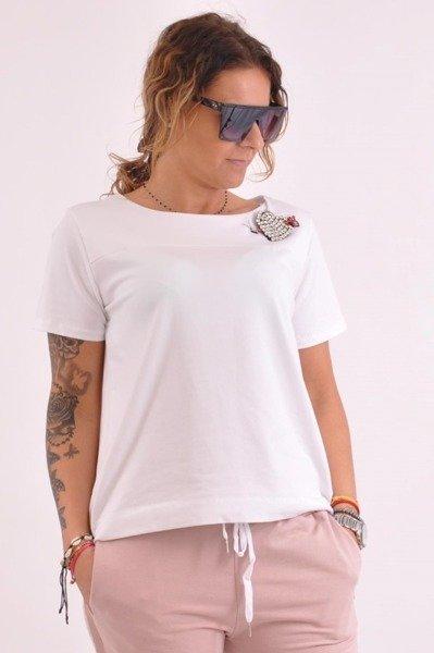 Bluzka biała na sciągaczu z broszką
