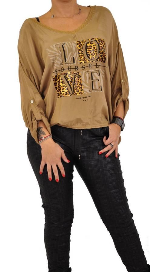 Bluzka camel z ozdobnym napisem LOVE