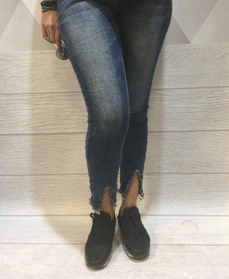 Jeansy z ozdobnymi  nogawkami M