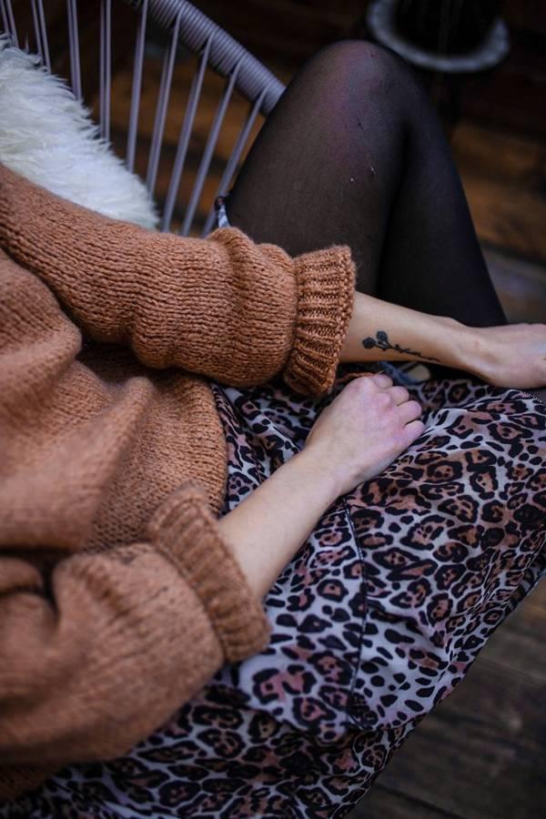 Spódnica przed kolano wzór pantery