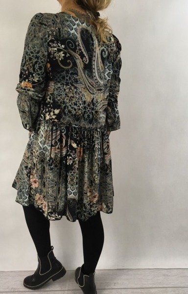 Sukienka czarna wzór wiązana