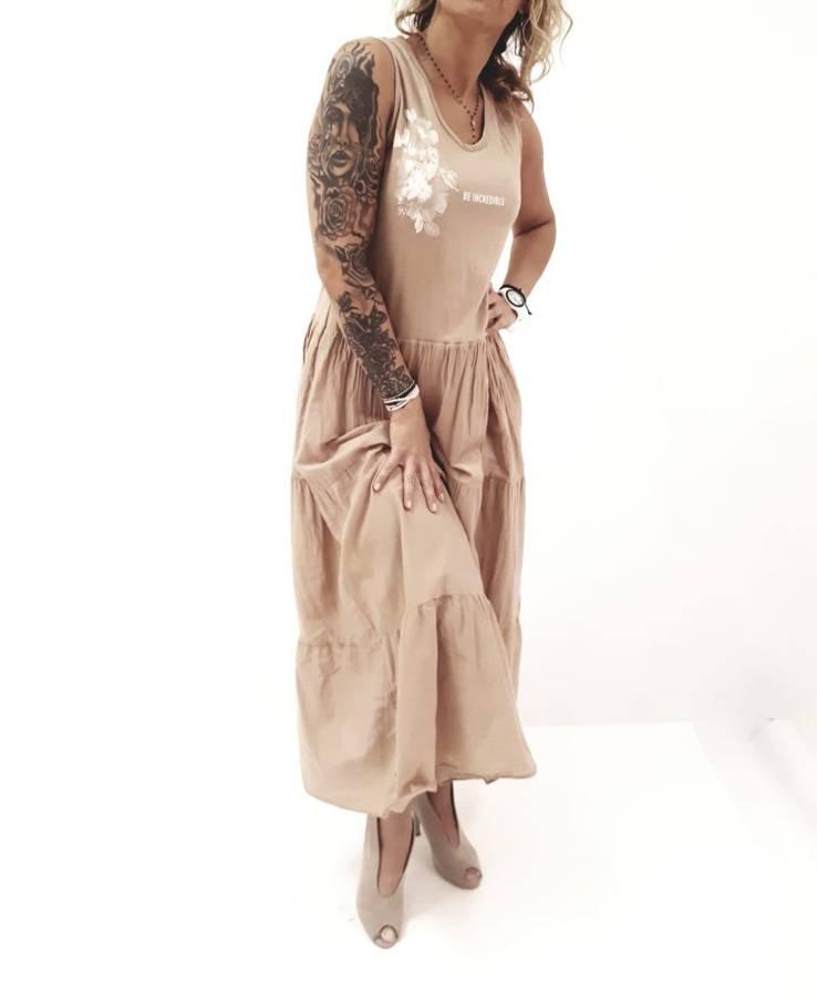 Sukienka długa beż falbany.