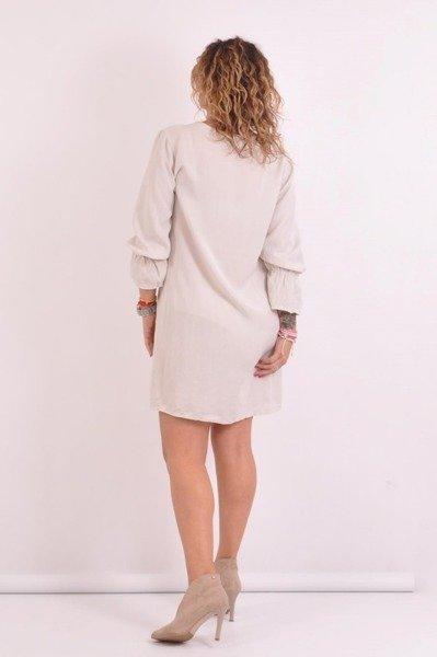 Sukienka prosta beżowa.