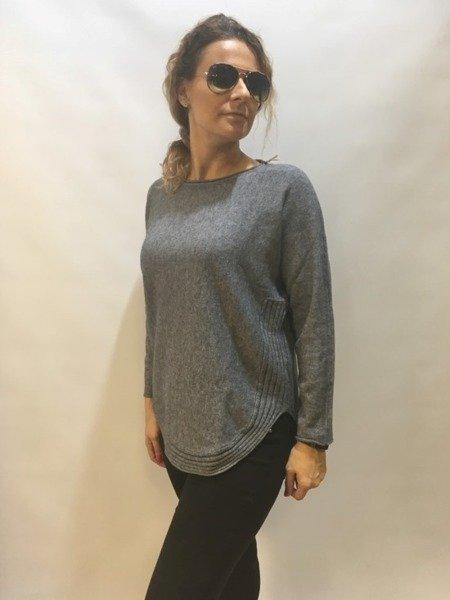 Sweter grafitowy dół półokrągły