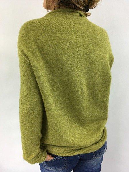 Sweter półgolf zielony