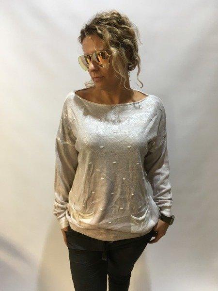 Sweter różowy z kieszeniam