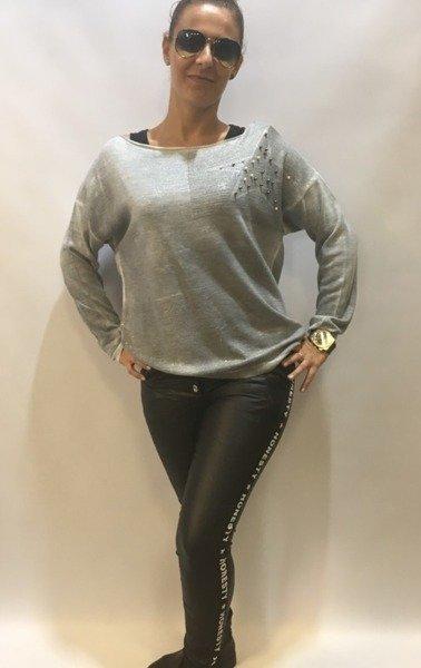 Sweter z gwiazdą i perłami szary