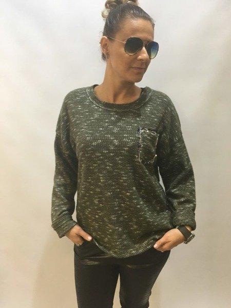Sweter zielony z kieszonką