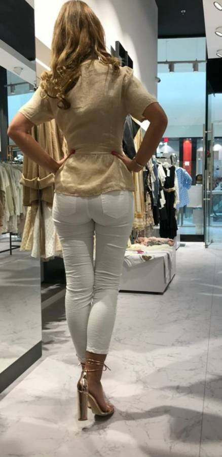Wysmuklająca figurę beżowa lniana bluzka S/M
